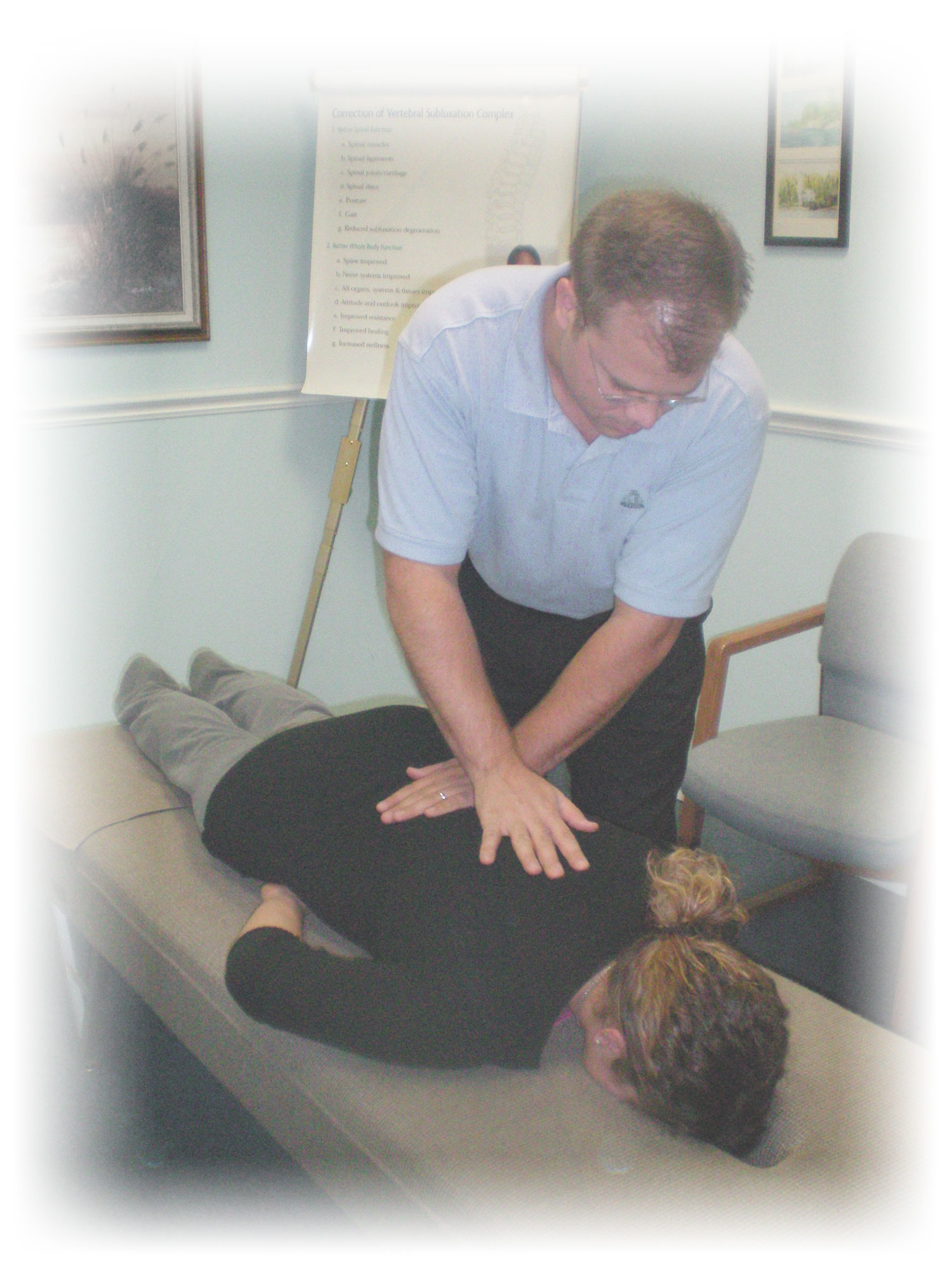 Dr. Jay Anderson chiropractic adjustment